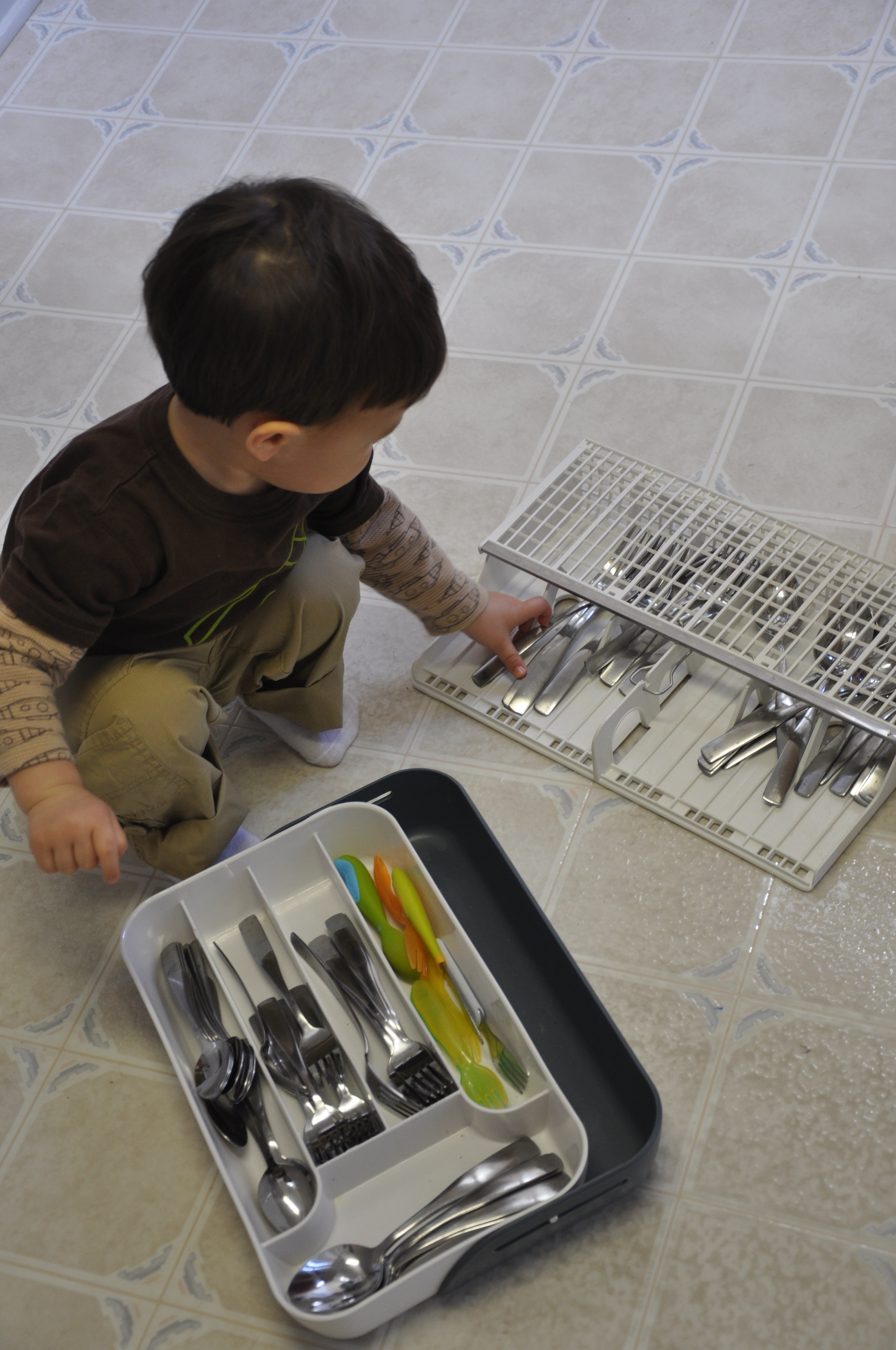 chores fun engaging activities for toddlers. Black Bedroom Furniture Sets. Home Design Ideas
